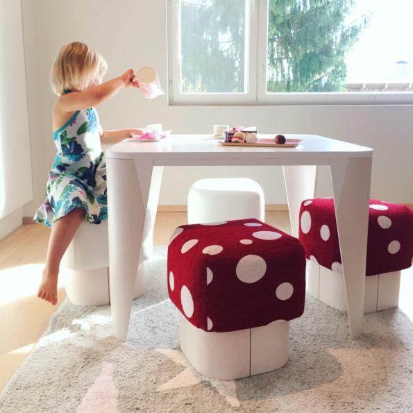 KAARNA-lastenpöytä